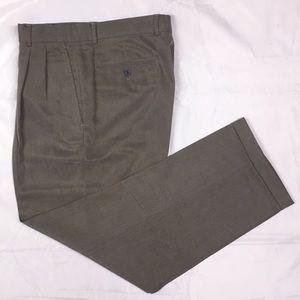 Claiborne Men's Greige 32/30 Pleated Dress Pants